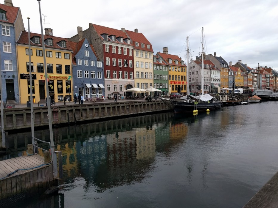Nyhavn Copenhagen Reflection | Ellen Says Hola | Travel Blog