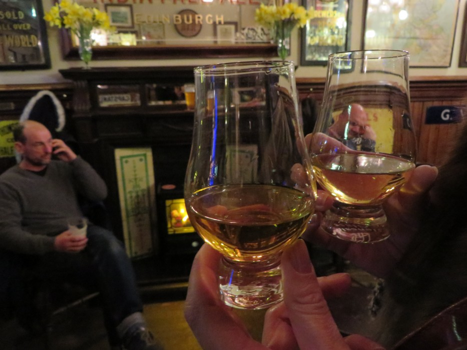 Whisky in Edinburgh   Ellen Says Hola   Travel Blog