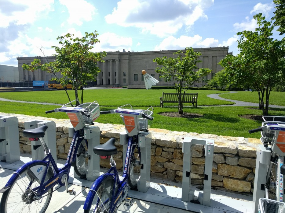 Nelson-Atkins Museum of Art with BikeShare station in Kansas City